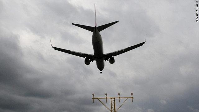 Alemania reabre sus aeropuertos tras disiparse la nube de ceniza
