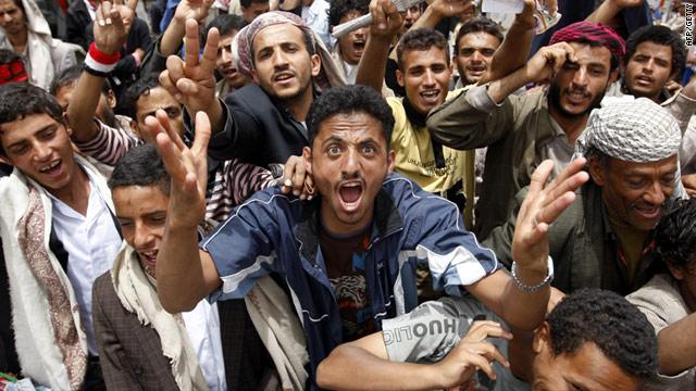 El presidente de Yemen resulta herido en un bombardeo