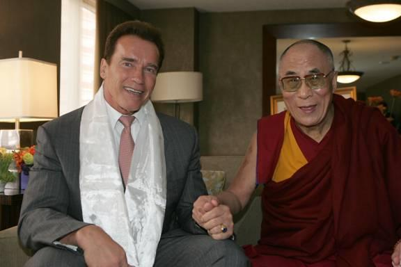 http://www.cnn.com/POLITICS/blogs/politicalticker/uploaded_images/schwarenneger.dalai.lama-767469.jpg