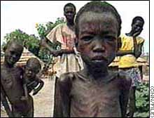 Cnn un relief reduces famine in southern sudan december 3 1998 un relief brought aid to desperate people in southern sudan sciox Images