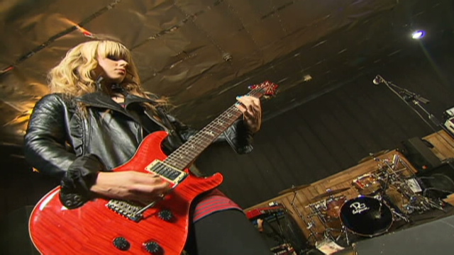 Jackson Guitarist Orianthi Taking Spotlight Cnn Com