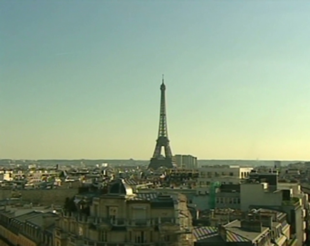 Eiffel Tower evacuated after threat