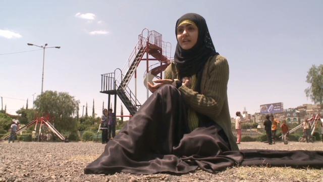 Ministra de Yemen busca ponerle fin a los matrimonios con menores