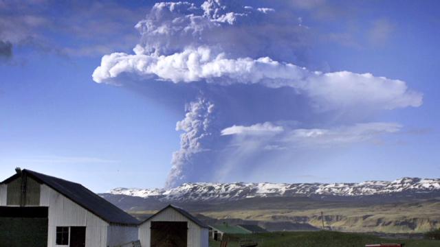 El volcán de Islandia da un respiro al espacio aéreo