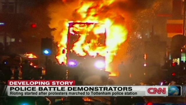 pallot.uk.police.riots.cnn.640x360.jpg