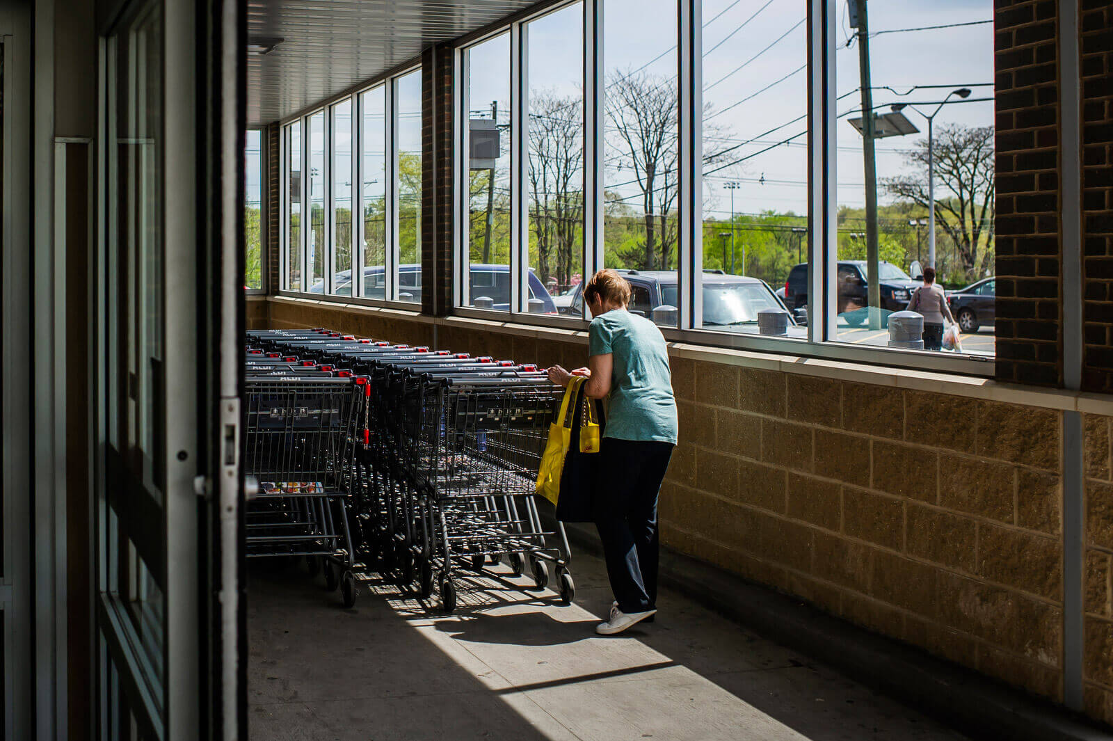 Other American grocers have tried shopping cart deposits but abandoned the practice after it irritated shoppers. Aldi has stuck with the model, insisting it's core to the store's low-cost strategy.