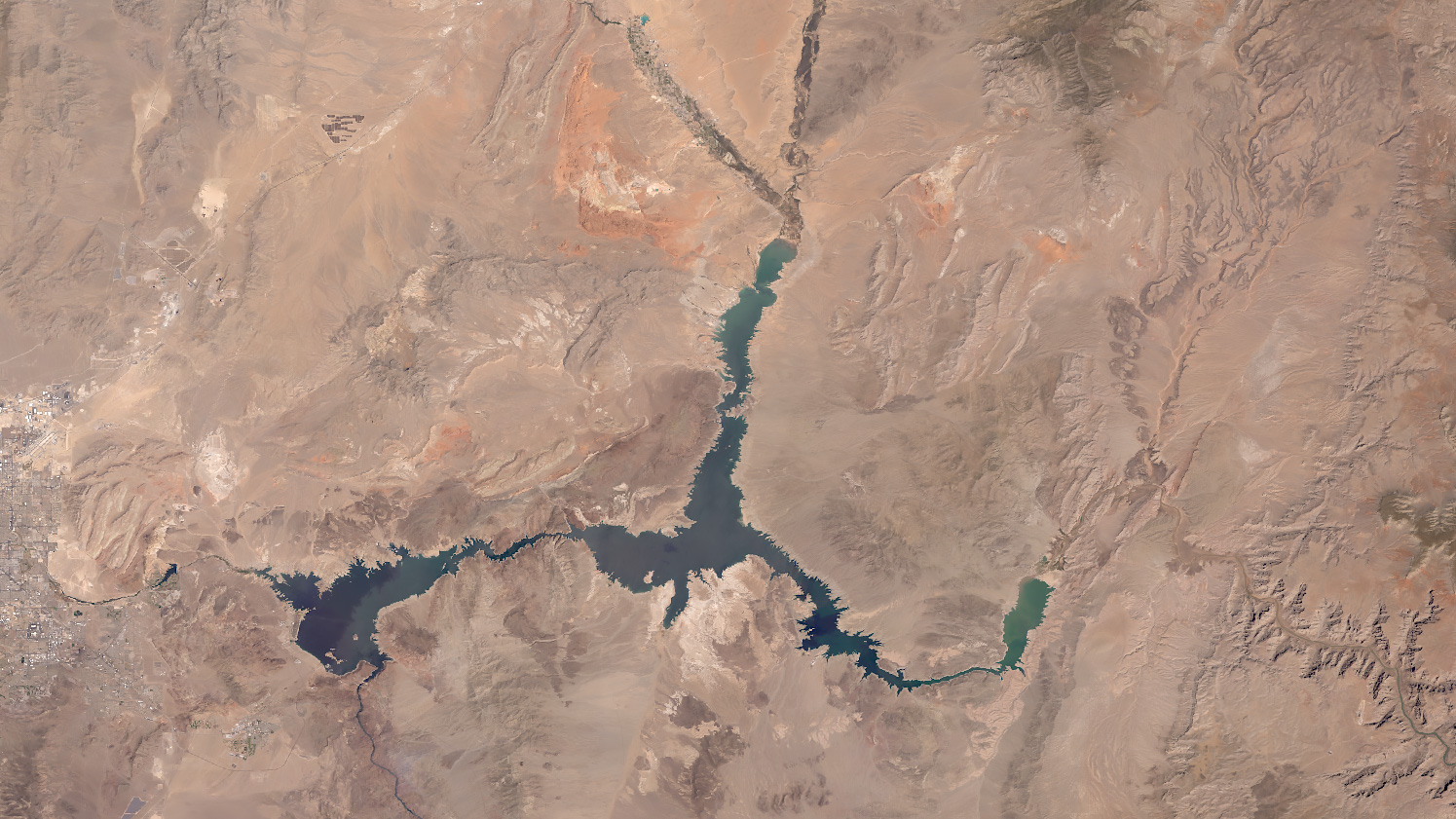 2021 satellite image of Lake Mead. The difference is striking as the Lake edges retreats over 21 years.